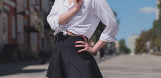 donna-minigonna